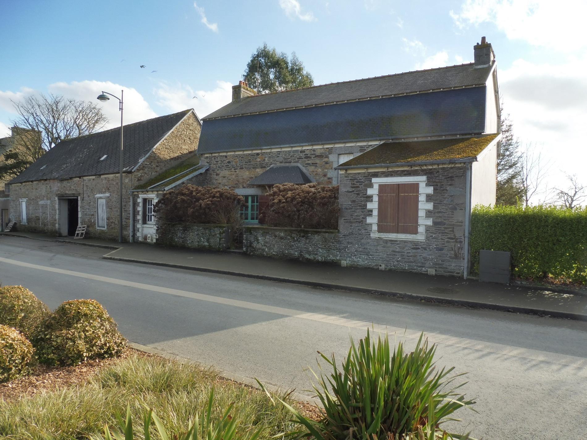 Vente maison pierre 120m habitable garage atelier plus for Terrain plus maison